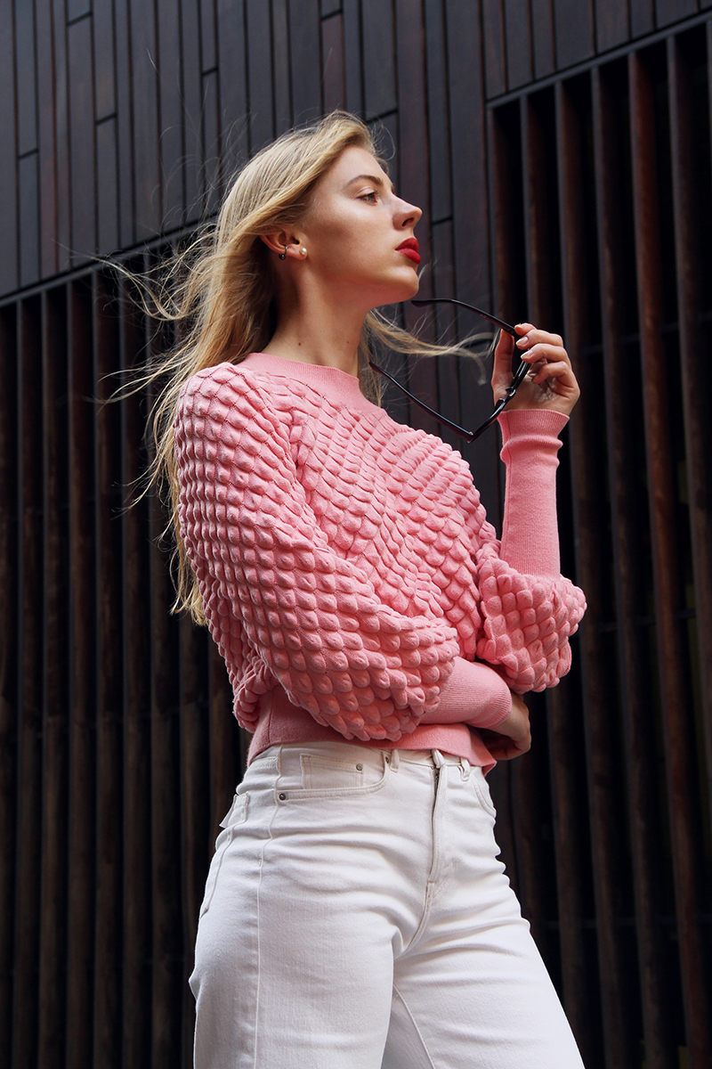 ivoblog---think pink-lindex sweater-white denim 06